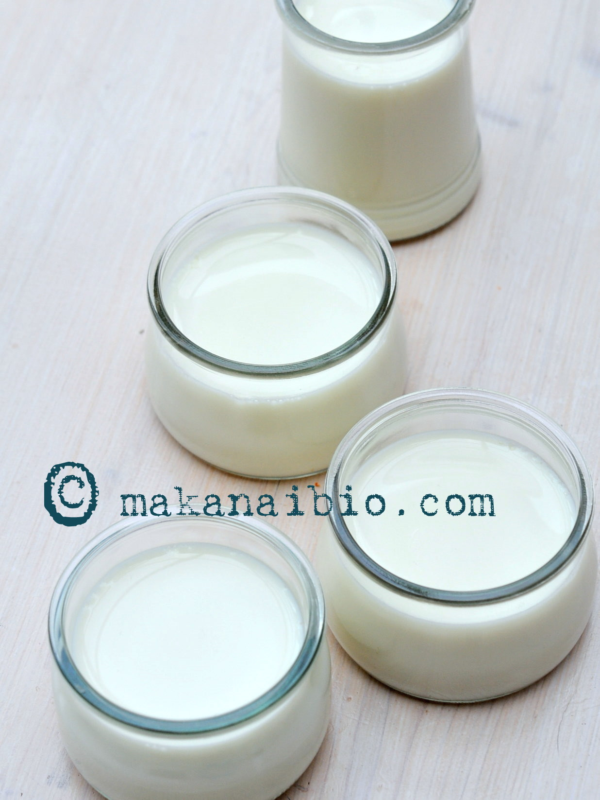 du nouveau c t yaourts au lait de soja maison makanaimakanai. Black Bedroom Furniture Sets. Home Design Ideas