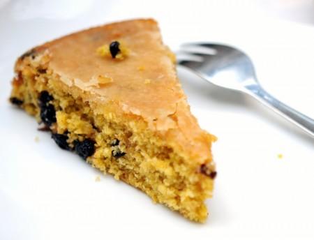 Gâteau aux carottes et raisins de corinthe, 100% végétal
