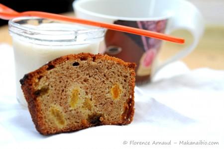 Cake aux raisins secs et au rhum, à la farine de riz complet {recette sans gluten}